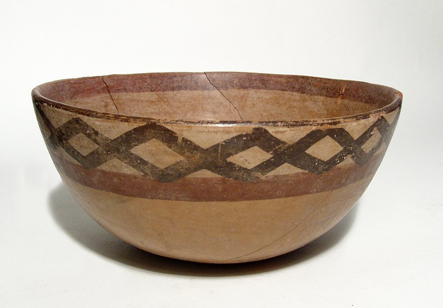 A Cajamarca polychrome ceramic bowl