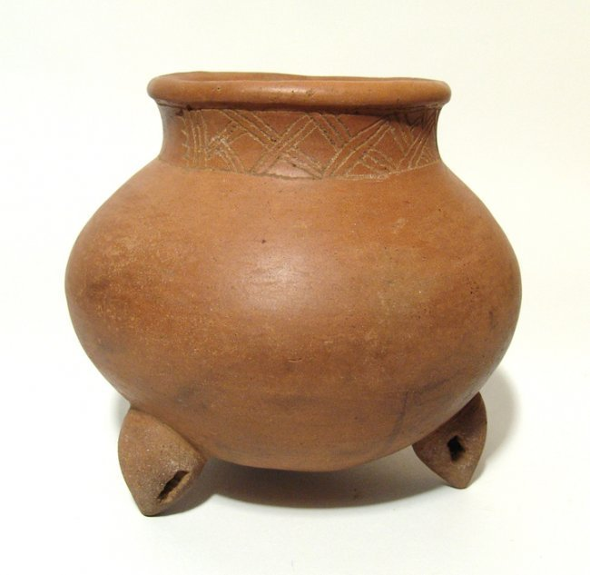 An early Nicoya Guinea incised bulbous bowl, Costa Rica