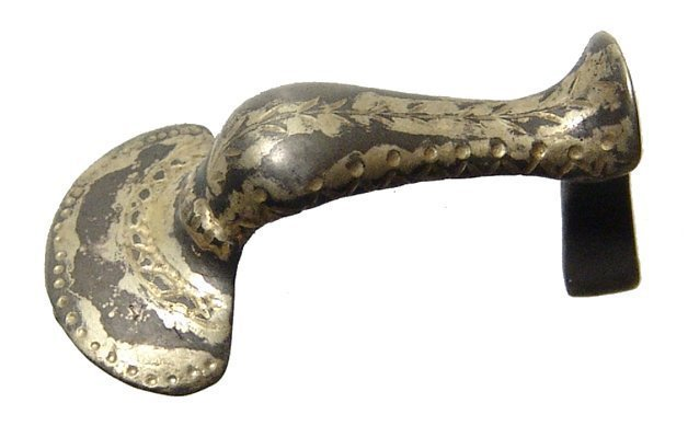 A beautiful Roman silver gilt knee brooch