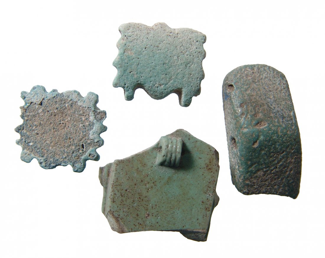 4 Egyptian amulets including Triad amulet fragment - 2