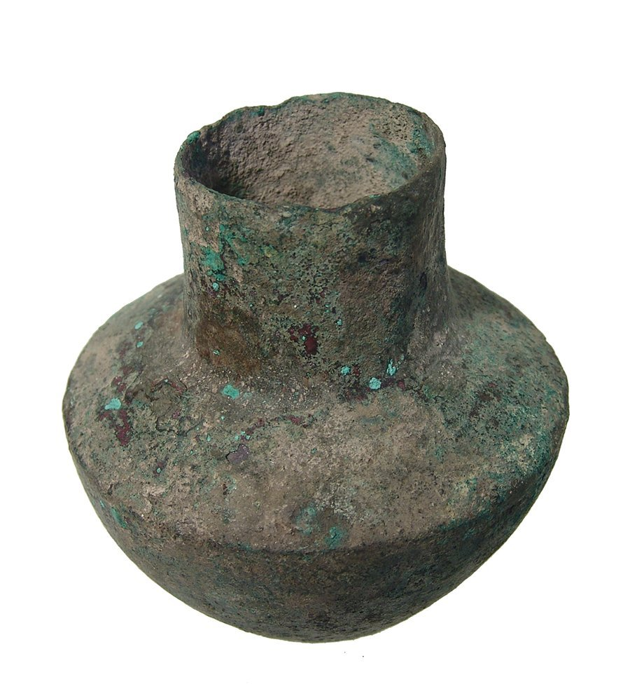 A Near Eastern bronze jar - 3