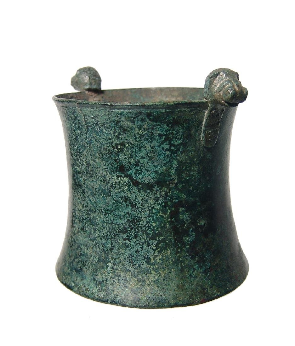 A choice Greek bronze cup with lion-headed knobs - 2
