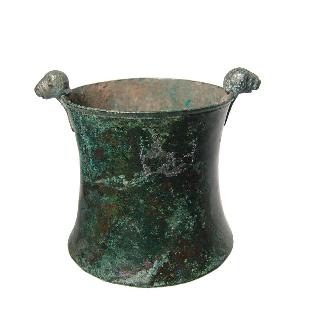 A choice Greek bronze cup with lion-headed knobs - 4