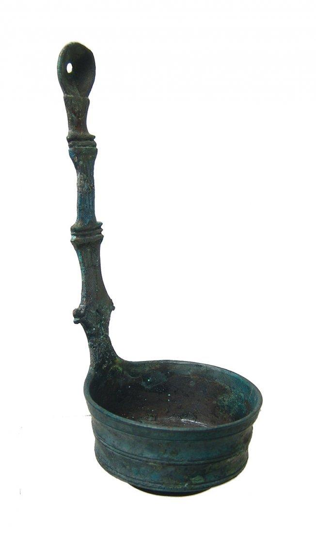 A choice Roman decorated bronze ladle - 3