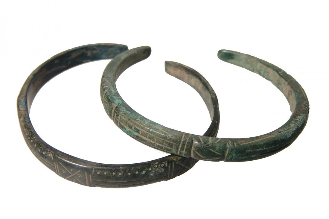 A pair of nice Roman bronze bracelets