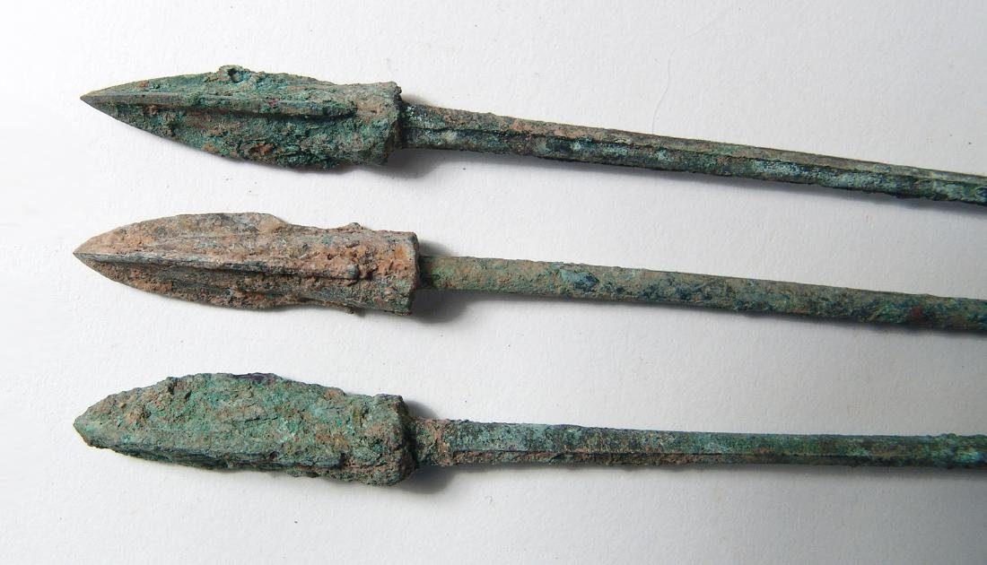 Group of 3 Chinese bronze arrow or ballista points, Qin - 2