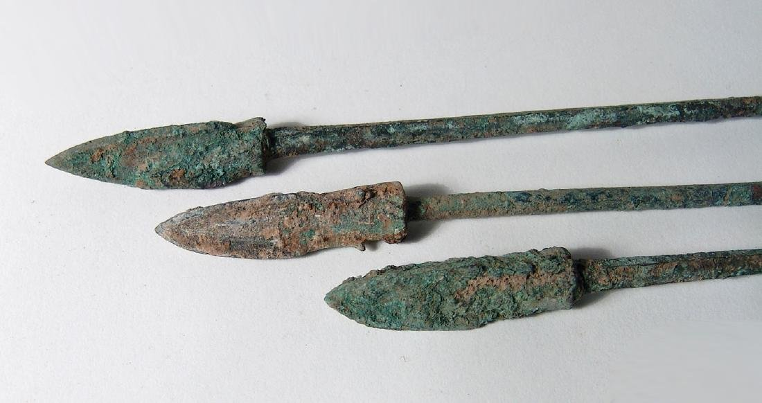 Group of 3 Chinese bronze arrow or ballista points, Qin - 3