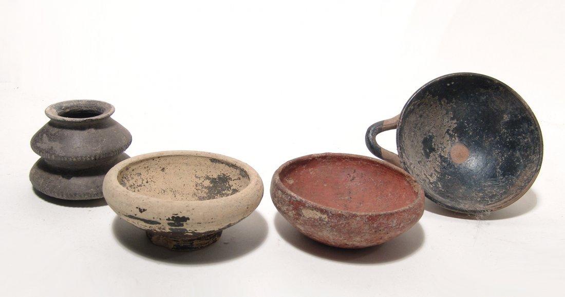 A lot of 4 Greek ceramic vessels