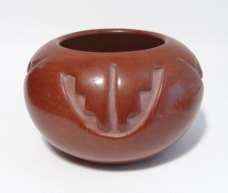 A nice Santa Clara red-ware pot from Rose Gonzales - 3