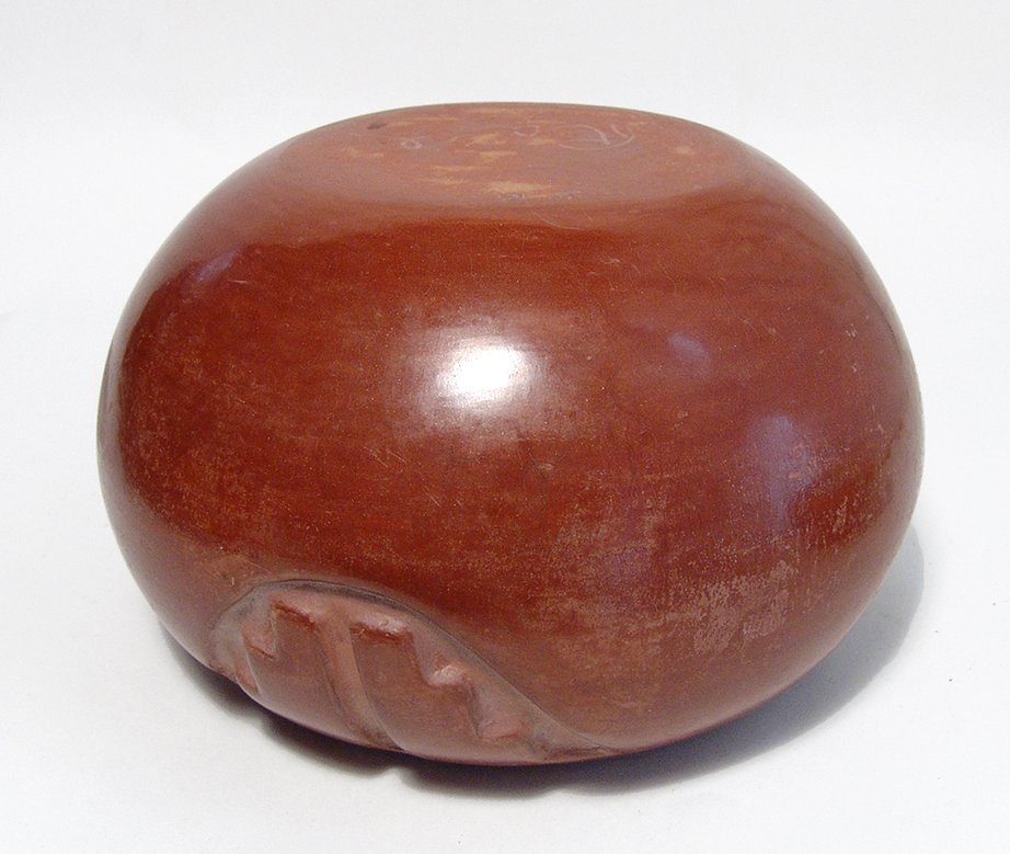 A nice Santa Clara red-ware pot from Rose Gonzales - 5