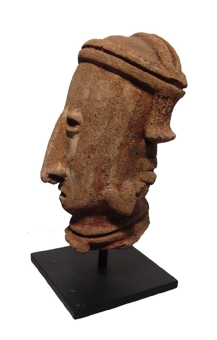 A Chinesco 'Type D' ceramic head from a large figure - 3