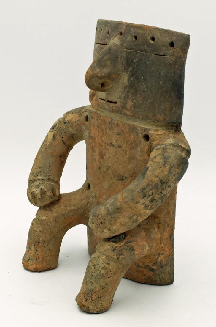 Quimbaya male figure from the Middle Cauca region - 4