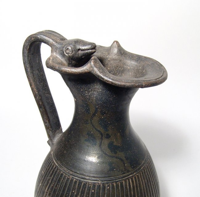 A lovely Apulian Greek ribbed olpe with animal handle - 6
