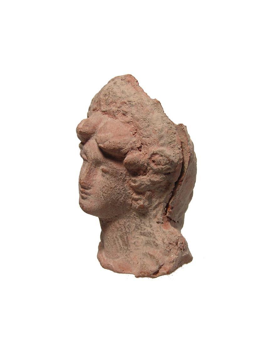 A beautiful Greek terracotta head of a woman - 2