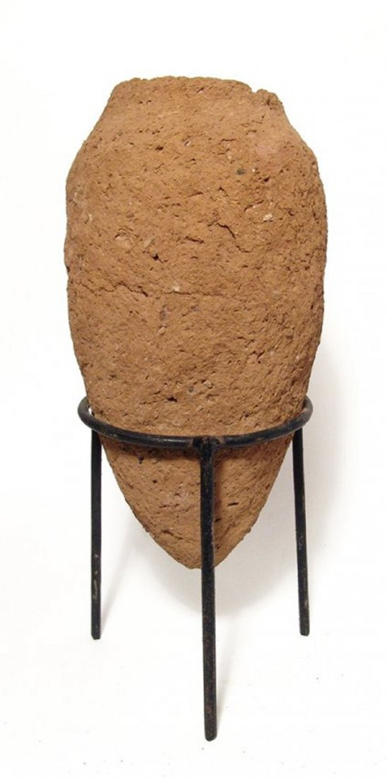 A large Egyptian Predynastic clay vessel - 2