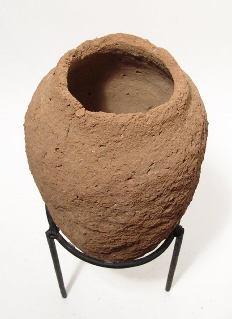 A large Egyptian Predynastic clay vessel - 3