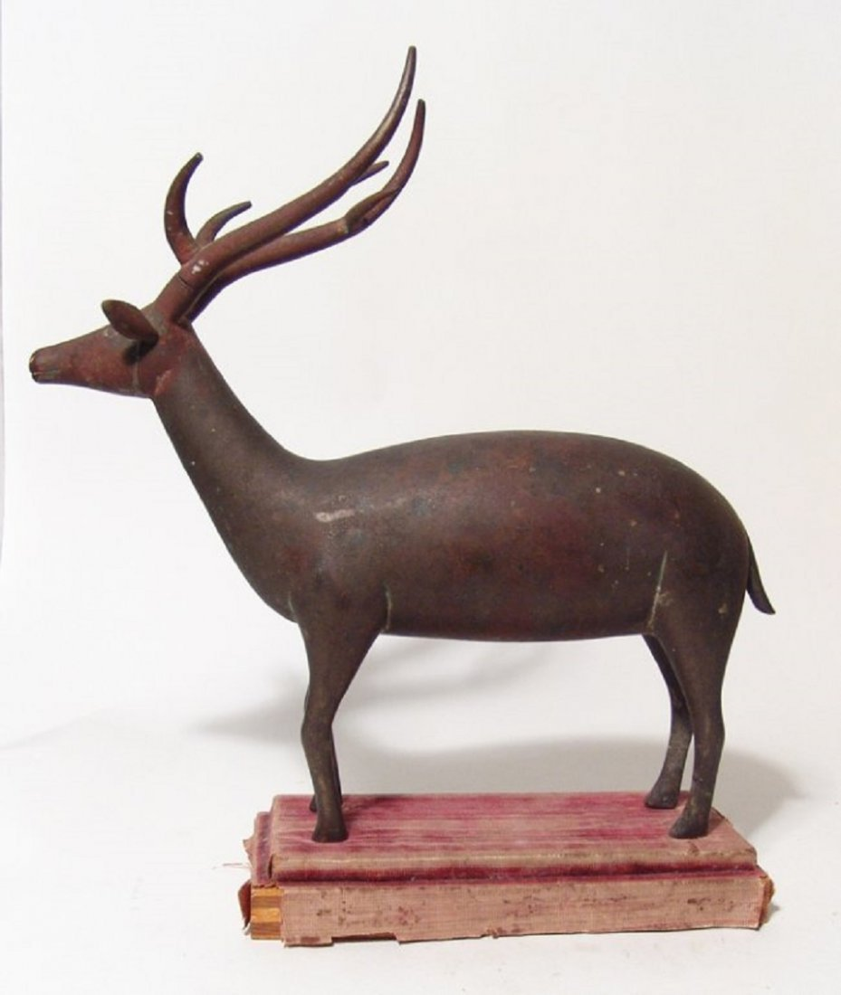 An wonderful antique bronze figure of a stag - 3