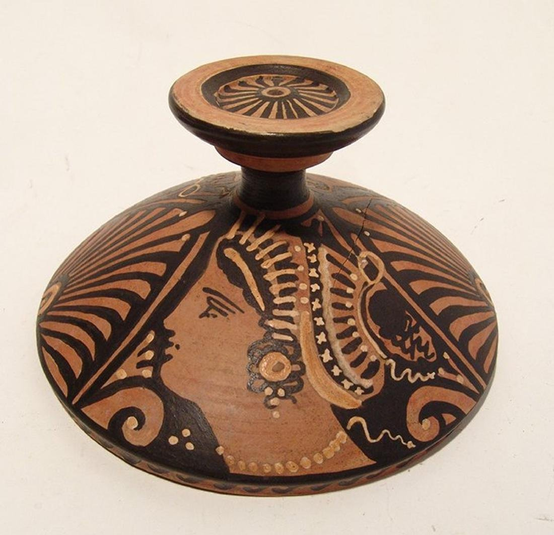 A choice Greek red-figure Lekanis with painted lid - 5