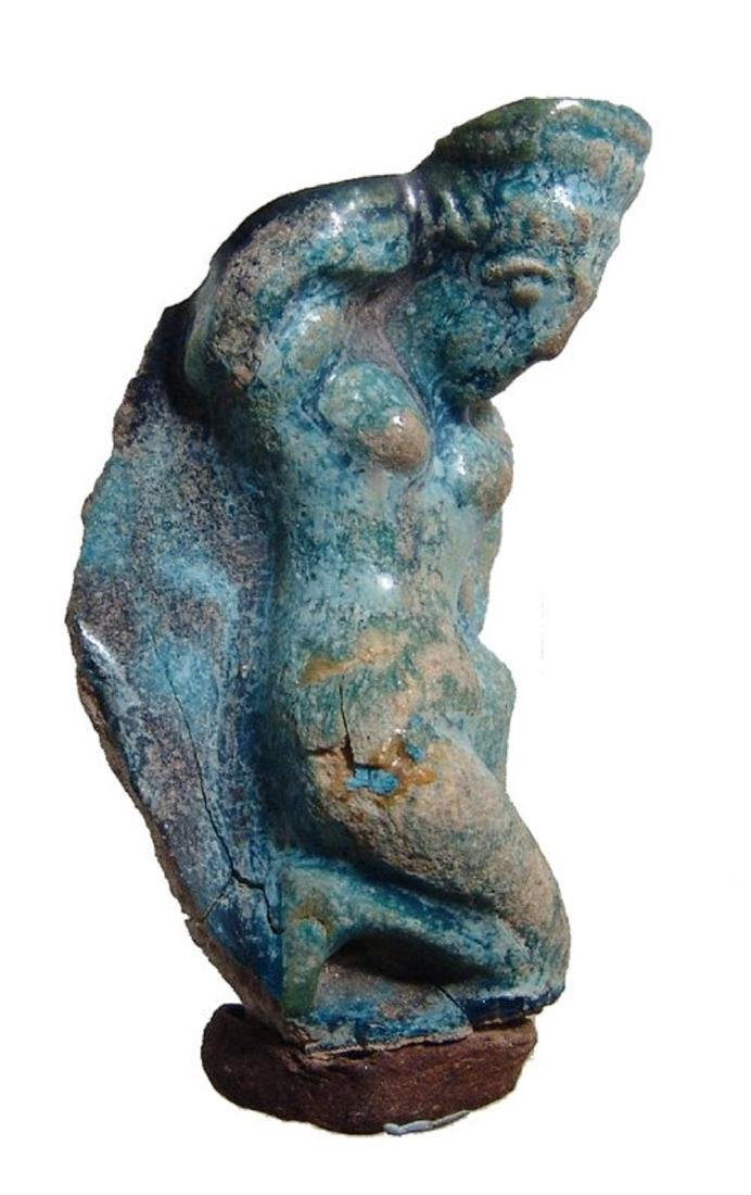Egyptian blue glazed figure of Aphrodite, Roman - 2