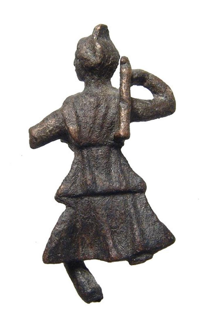A lovely Roman bronze figurine of Diana - 3