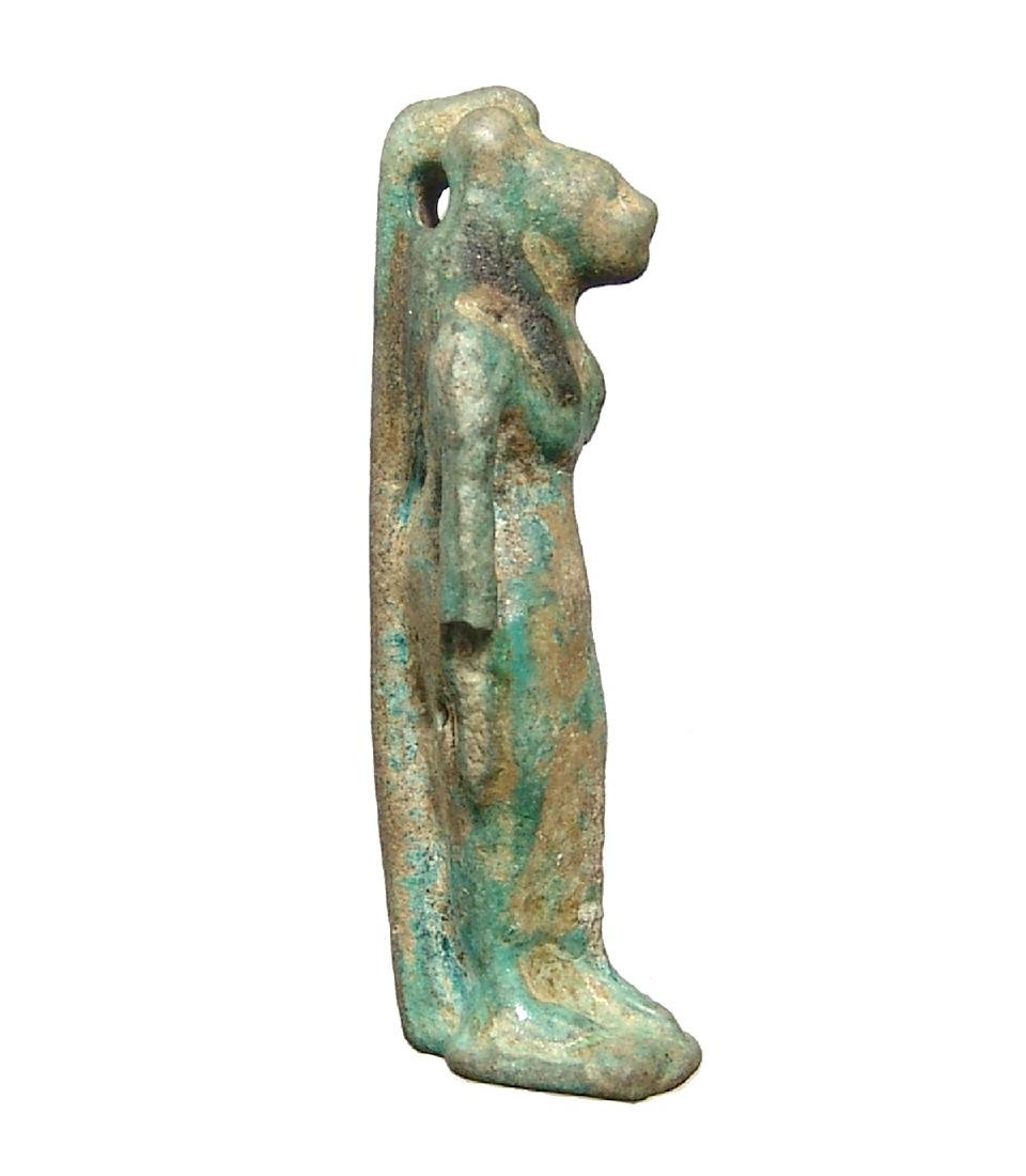 Large Egyptian faience bicolor amulet of Bastet - 2