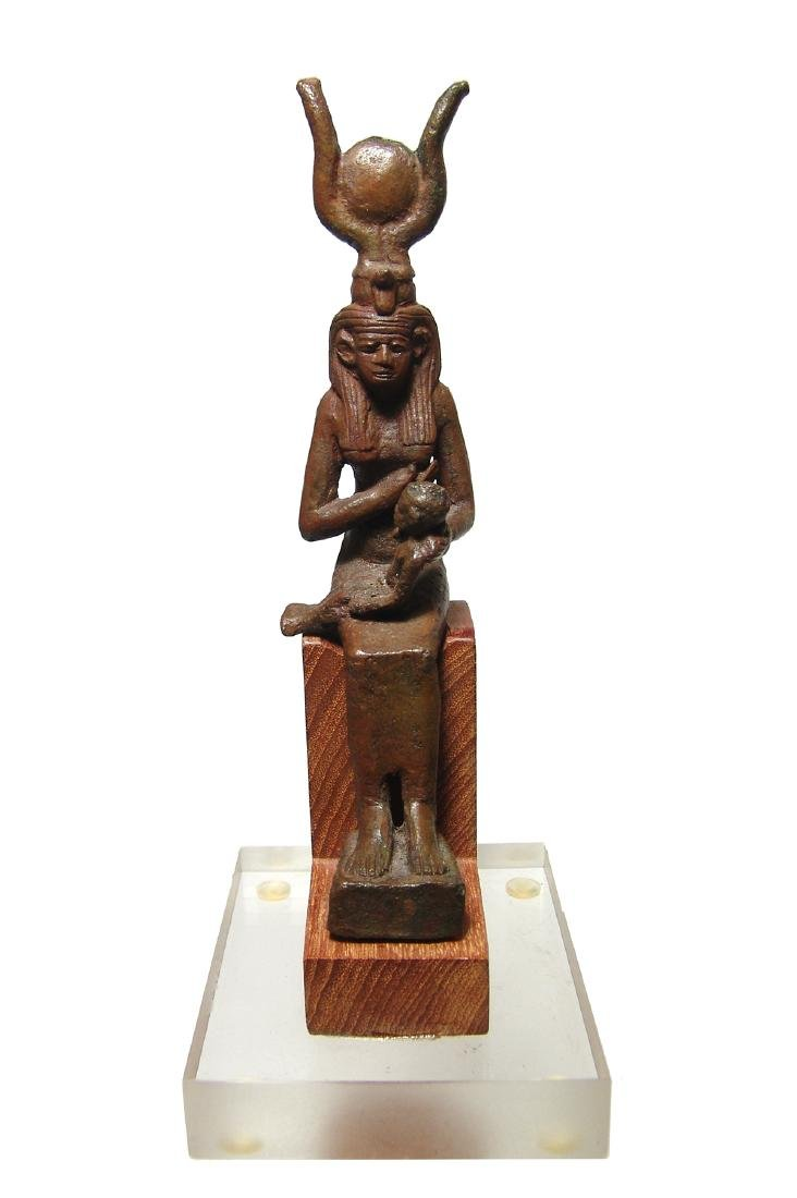 A fantastic Egyptian bronze figure of seated Isis - 2