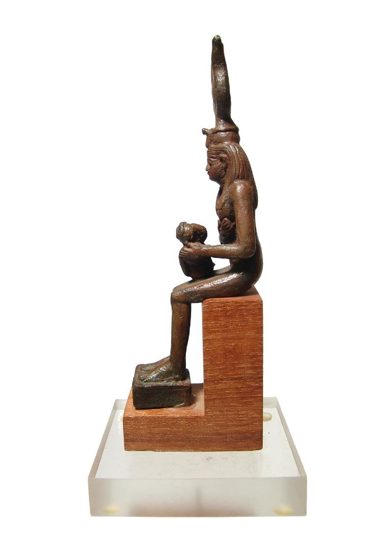 A fantastic Egyptian bronze figure of seated Isis - 4