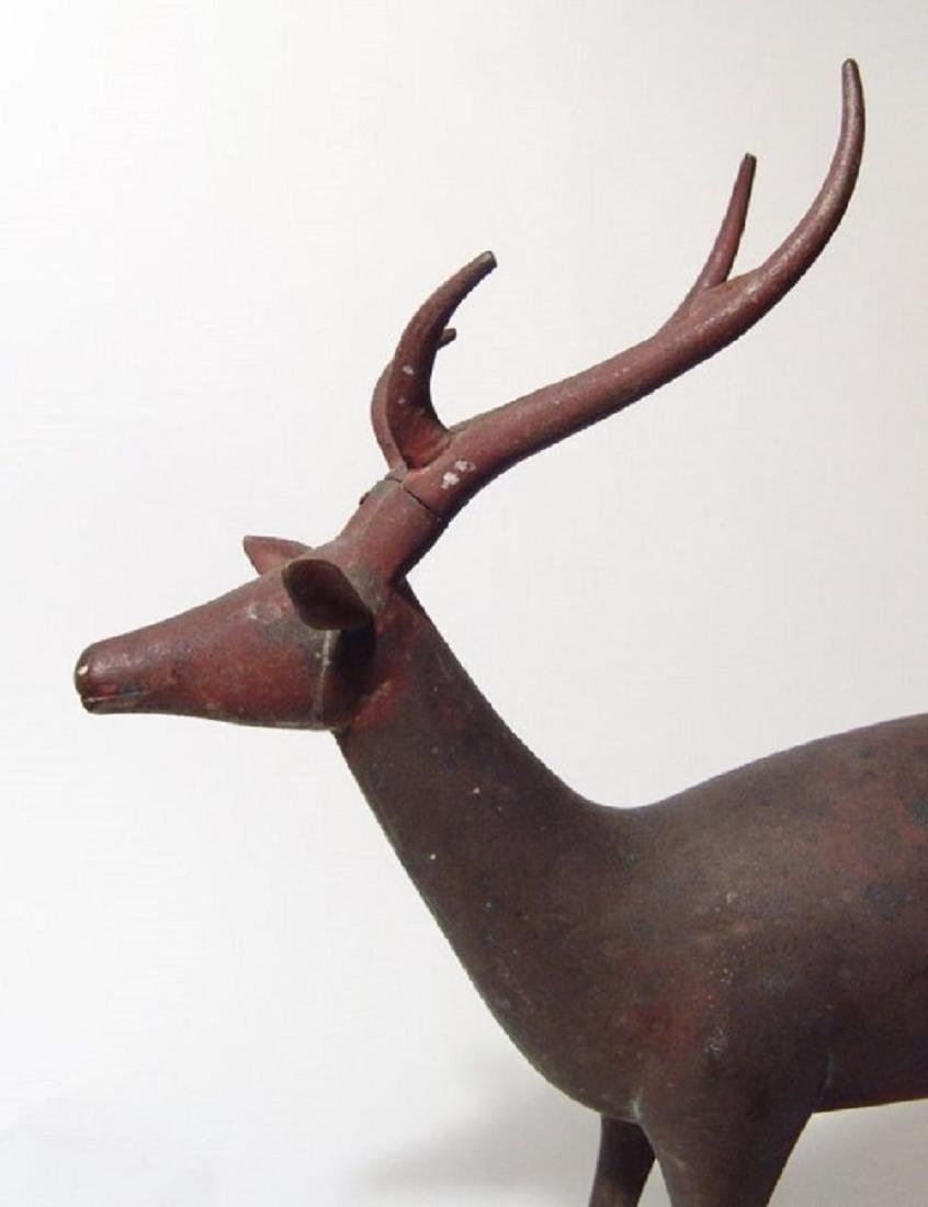 An wonderful antique bronze figure of a stag - 4