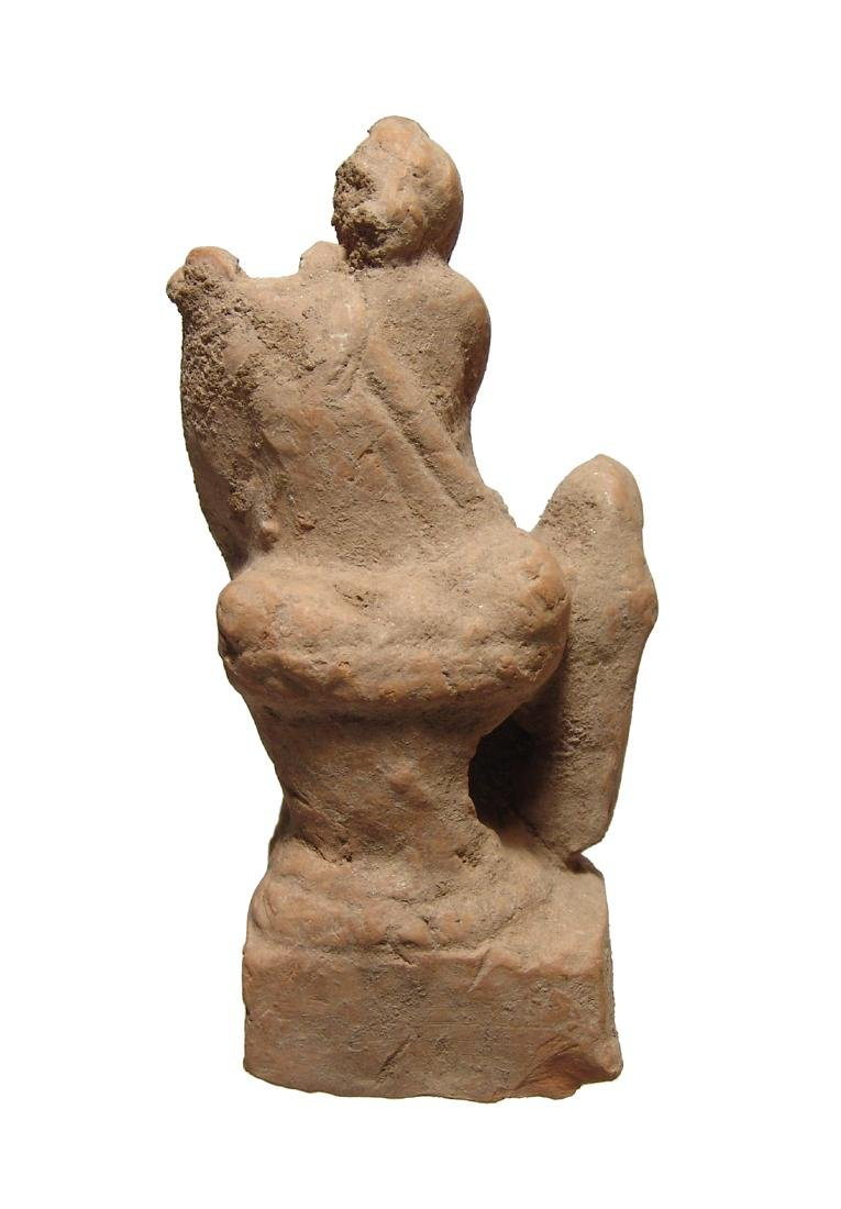 Greek terracotta figurine depicting a seated musician - 4