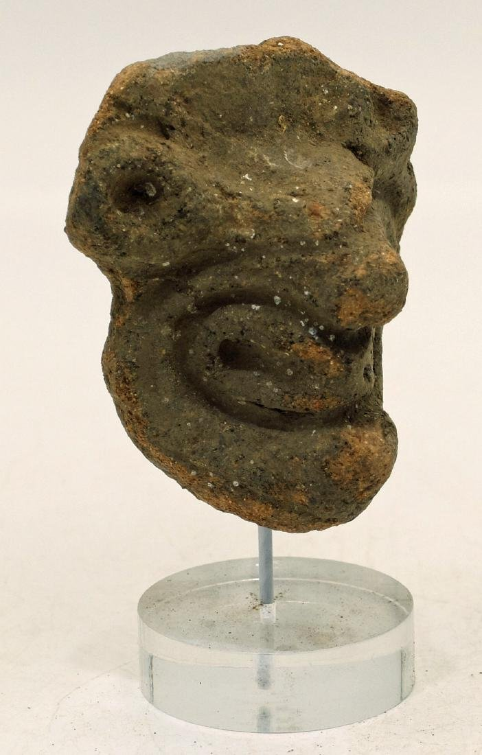 A large Taino head fragment from Hispaniola