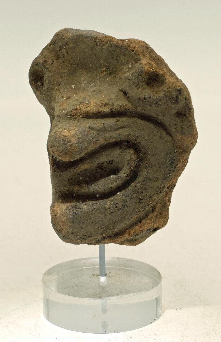 A large Taino head fragment from Hispaniola - 2