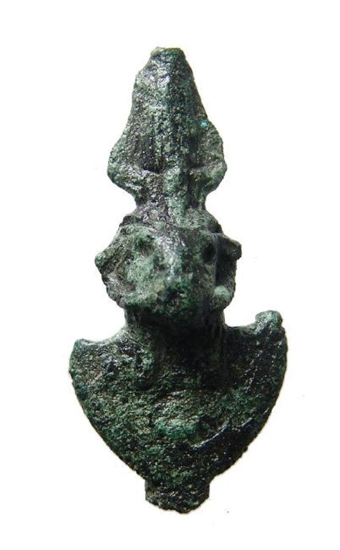 An attractive Egyptian bronze aegis of Khnum - 3