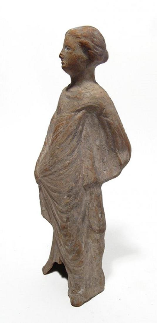 A nice Greek terracotta figure of a woman - 2