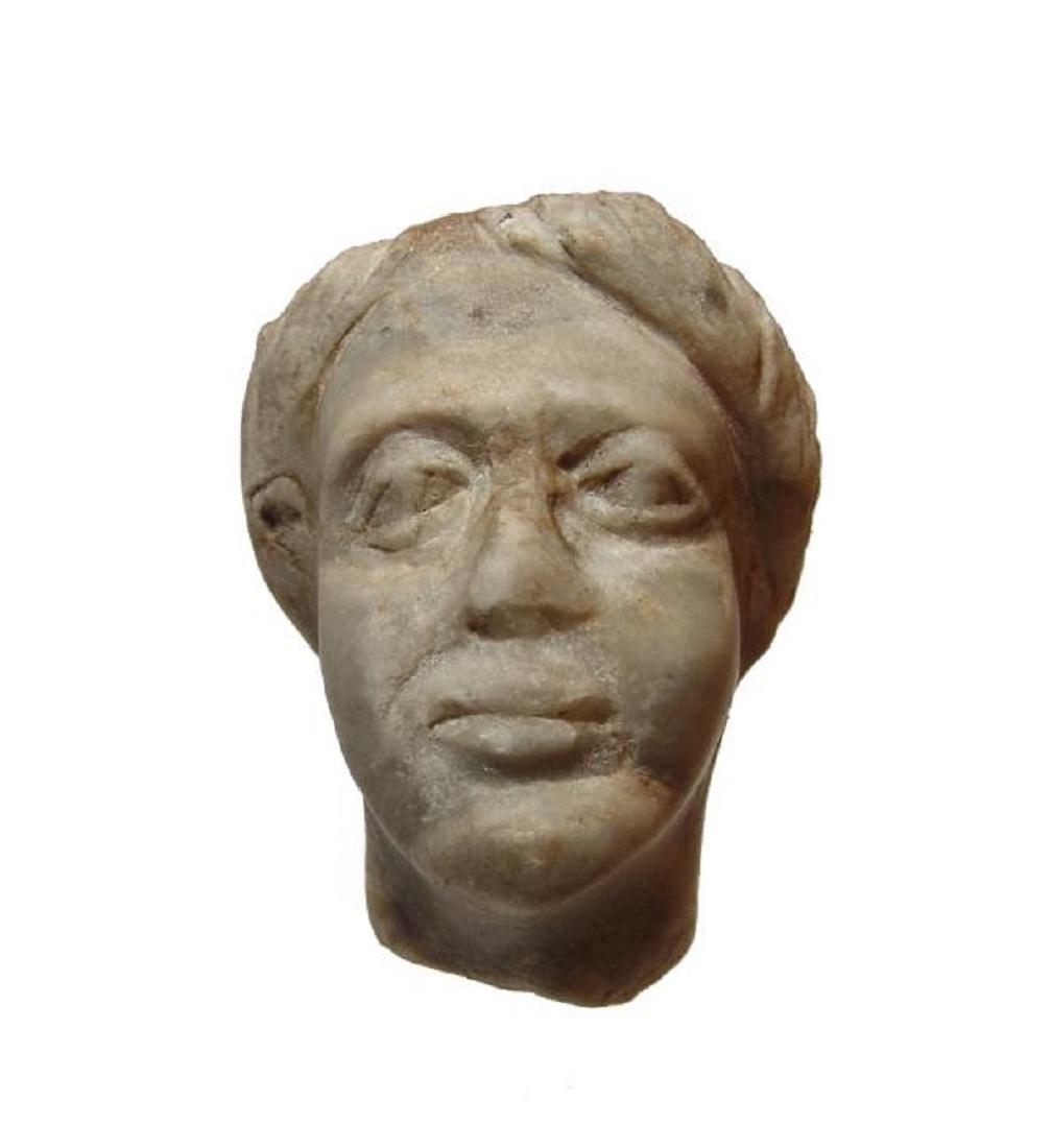 A Roman gray marble head of a woman - 2