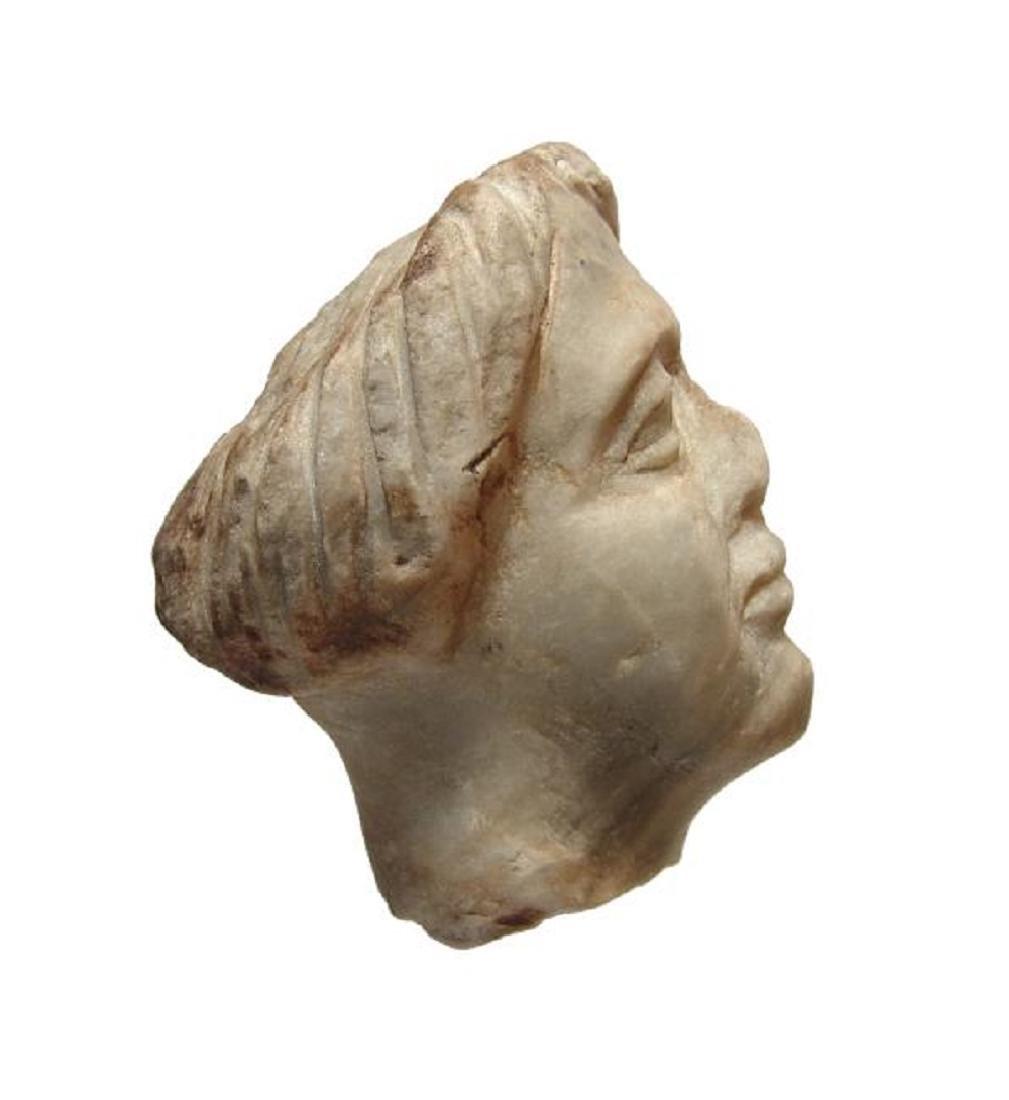 A Roman gray marble head of a woman - 4