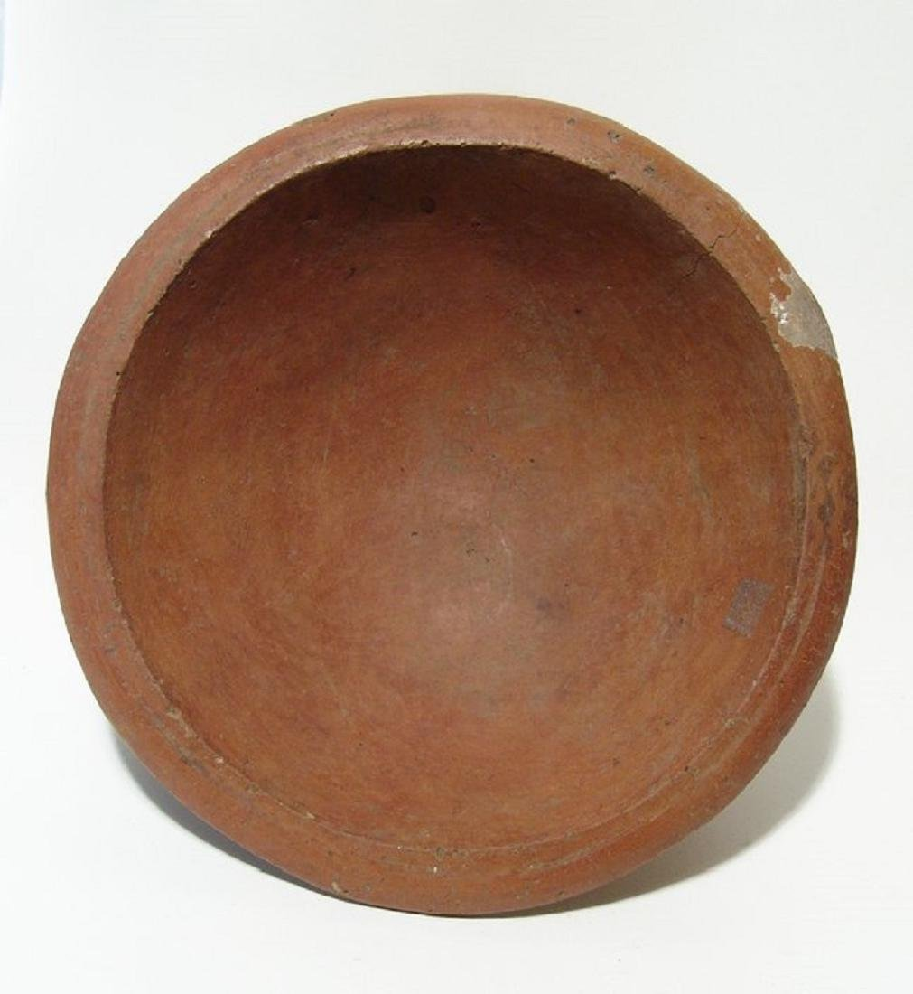 A Central Highland red-ware tripod rattle vessel - 5