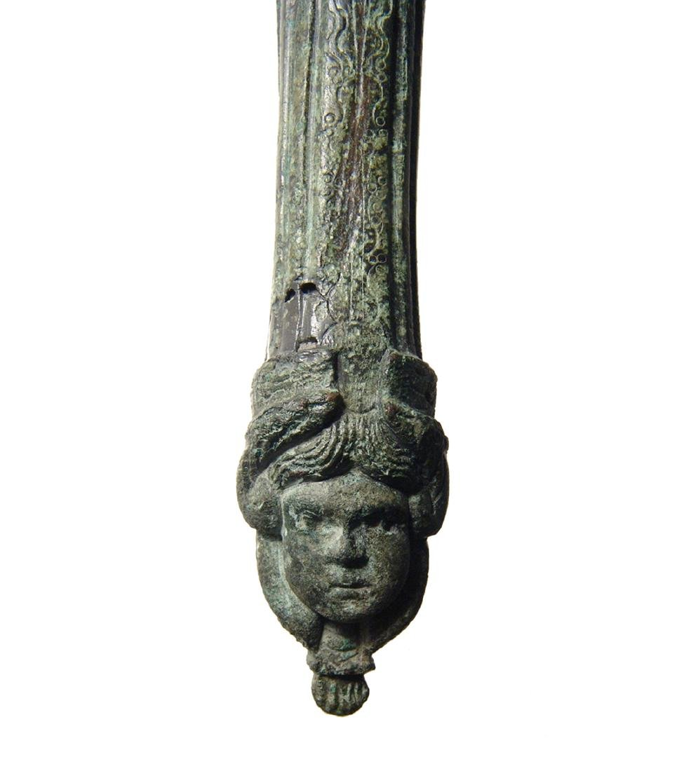 A beautiful Roman bronze patera handle - 5
