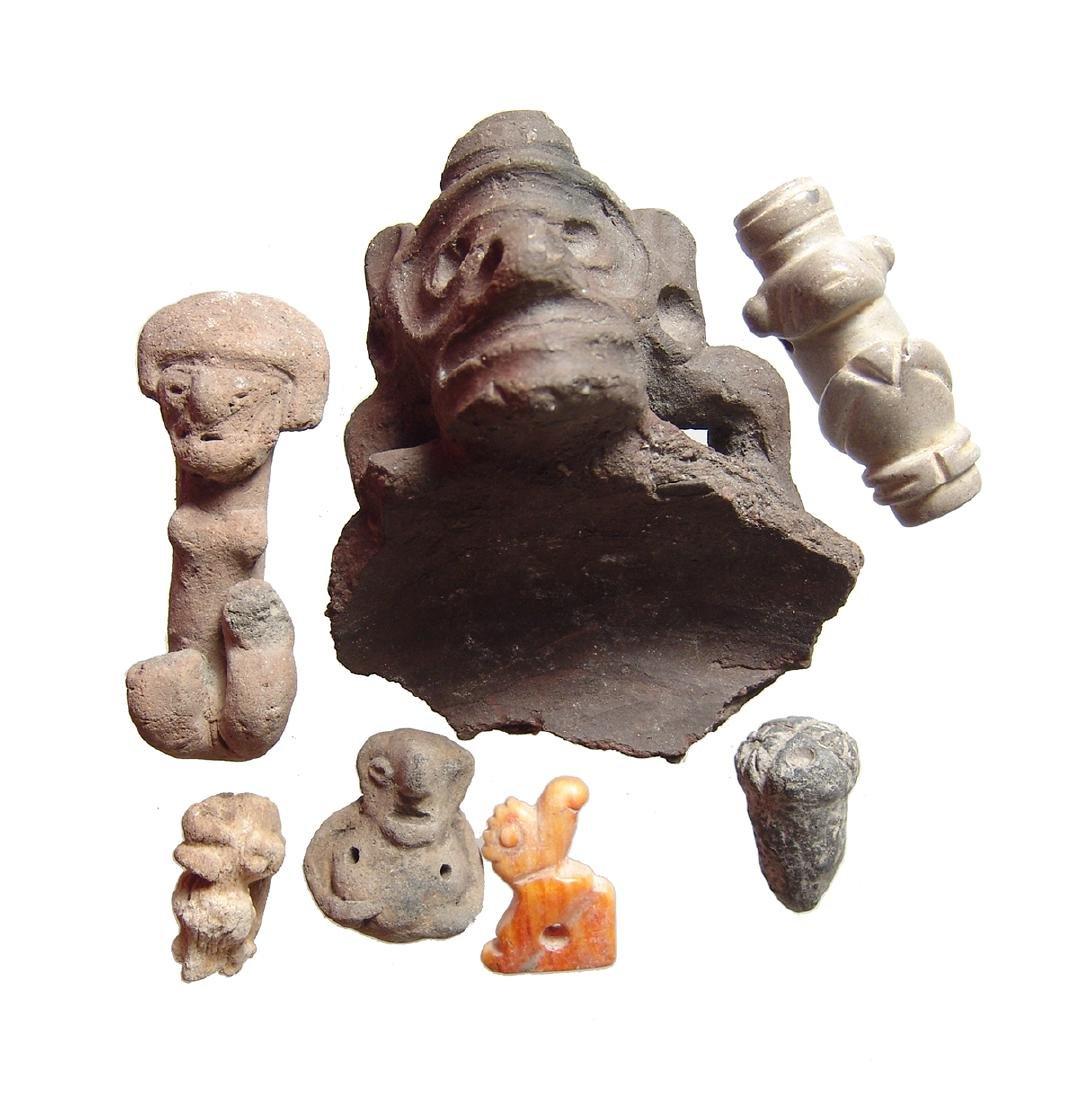 A collection of Ecuadorean & Taino small objects