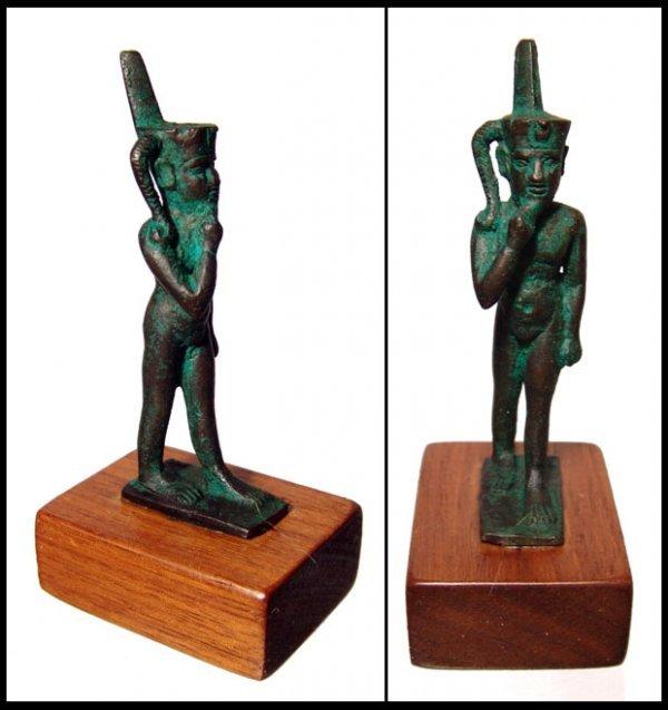 11: Charming bronze statuette of Harpokrates