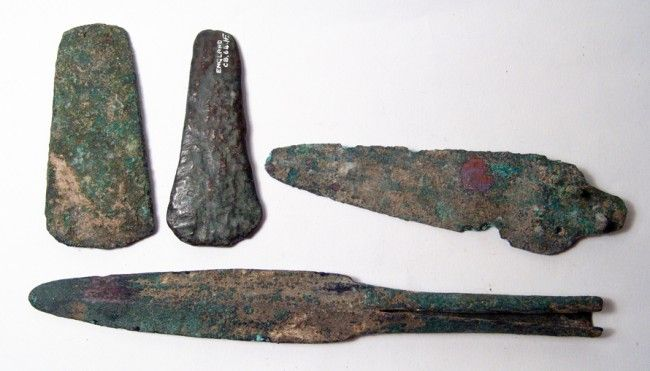 95: Group of 5 ancient bronze weapons