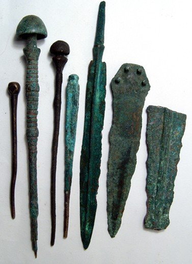 23: 7 Luristan bronze items, c. 1200 - 800 BC