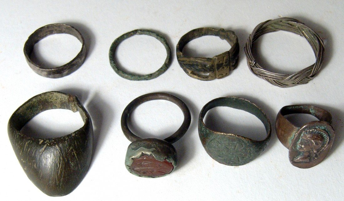 21: Lot of 8 rings, ancient to antique
