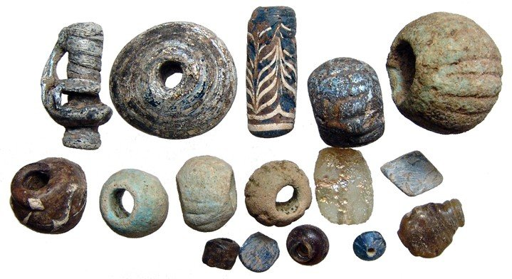 11: Group of Near Eastern glass and faience beads