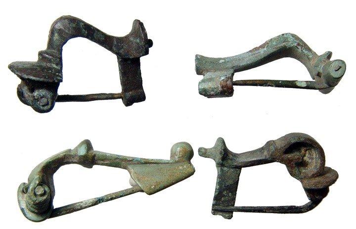 14: 4 Roman bronze brooches, 2nd Century AD