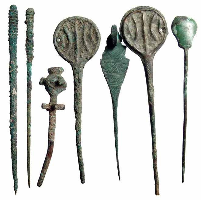 16: Lot of 7 ancient bronze clothing pins