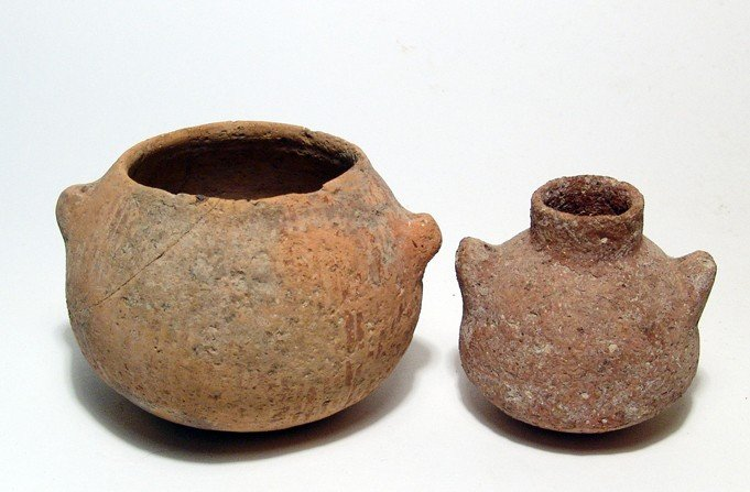 26: 2 Early Bronze Age I vessels, c. 3100 - 2900 BC
