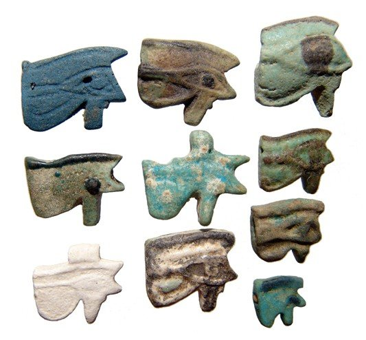 116: Group of 10 faience 'Eye of Horus' amulets