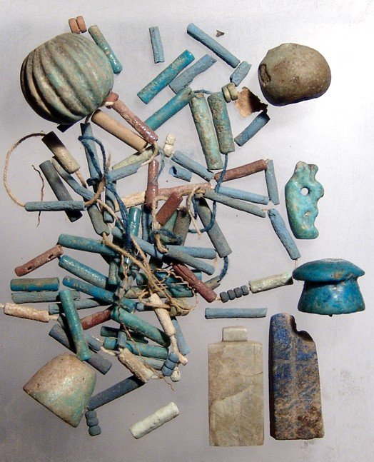 118: Lot of Egyptian beads and amulets