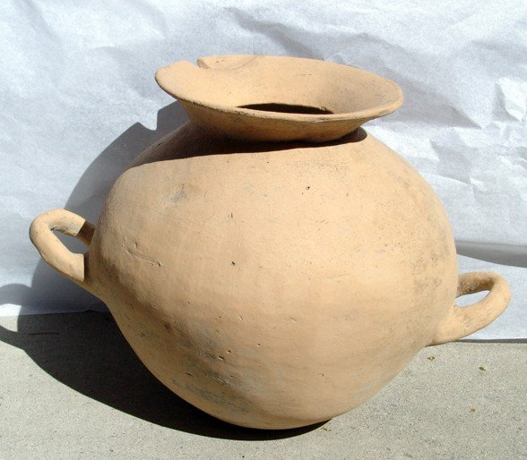 182: Large Early Bronze Age storage jar