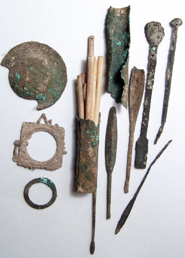 14: Group of Roman implements & bronze objects